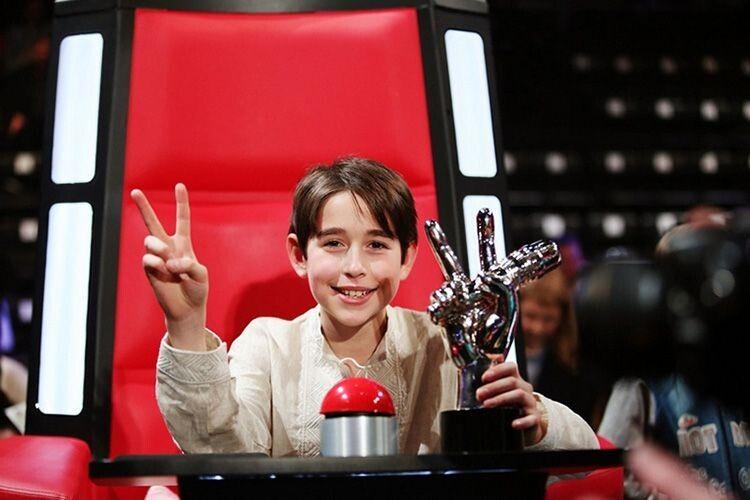 Вперше Роман здобув вікторію у дитячому «Голосі» і теж в команді Тіни Кароль.