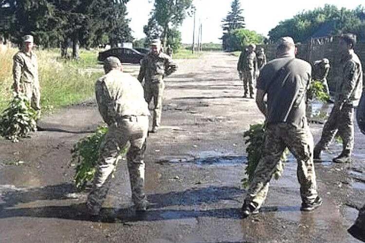 Хіба солдати винуваті, що керівники в них... дивакуваті