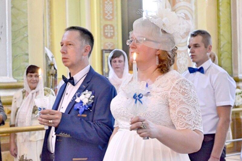 Вінчалося подружжя у Свято-Троїцькому соборі міста Луцька – «була така  дівоча мрія, яка нарешті збулася».