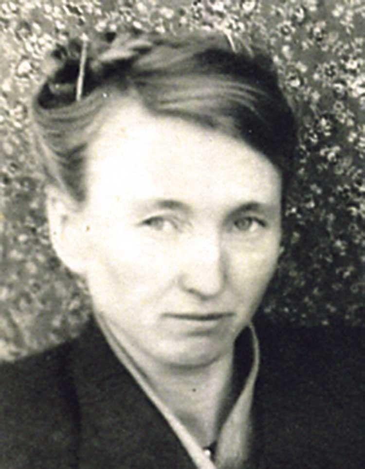 Росіянка Євдокія, переїхавши за чоловіком в Україну, пов'язала життя з педагогікою та вихованням дітей.