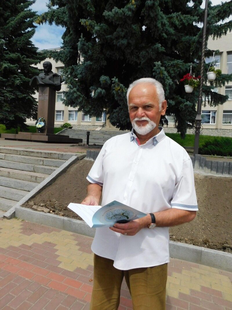 Миколай Борисович автор уже семи книг поезії та прози. Фото Лесі ВЛАШИНЕЦЬ.