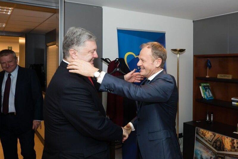 Порошенко і Туск: той випадок, коли дружба і особиста, і міждержавна.