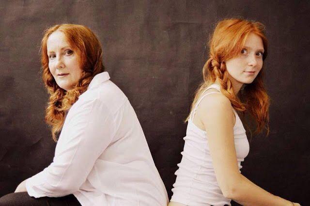 Дружина Віктора Олена Хохлаткіна та донька Оксана Жданова також акторки.