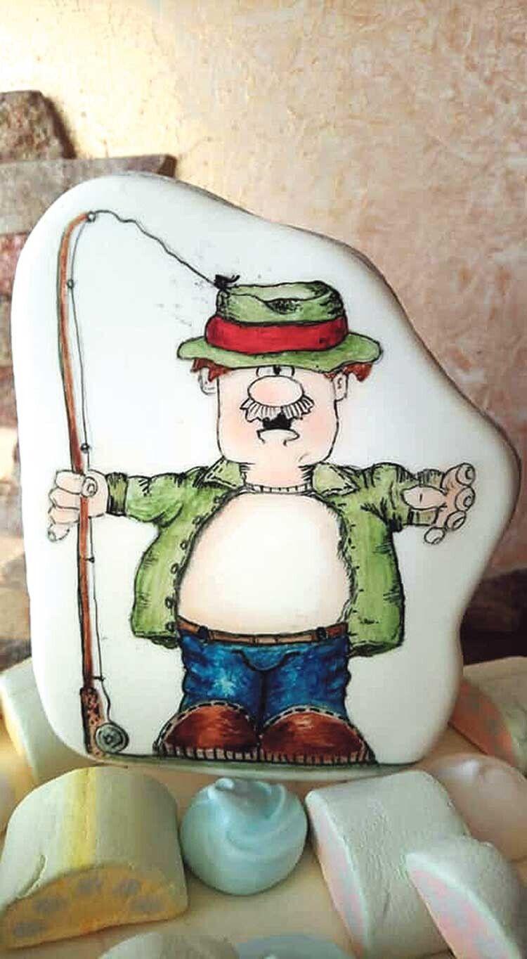 Такому оригінальному тематичному подарунку зрадіє рибалка будь-якого віку.