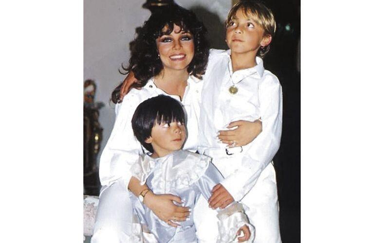 Дітей актриси більше виховувала бабуся, аніж мама. Заради заробітку доводилося жертвувати часом, який могла би  провести з малюками.