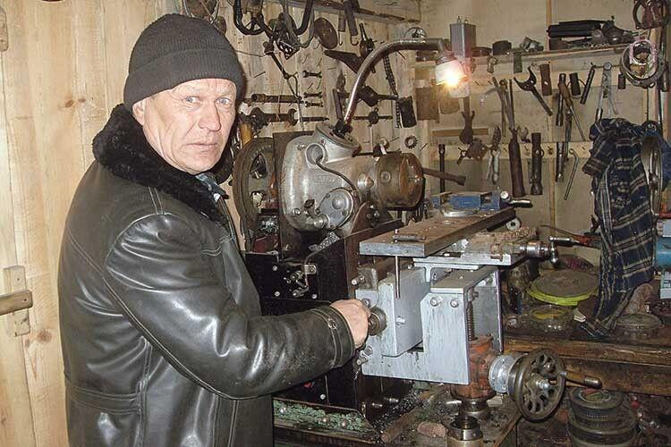 Іванові Тусюку йтрактор зробити під силу.