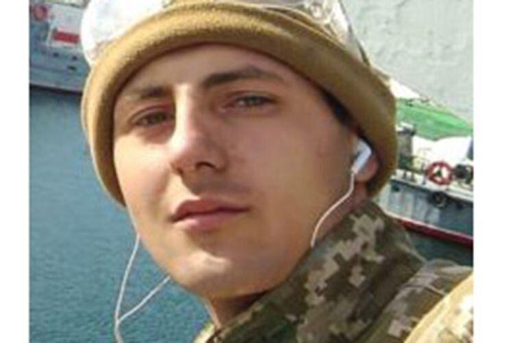 Євген Семидоцький мріяв стати спортсменом, але вивчився  на механіка і подався у плавання.
