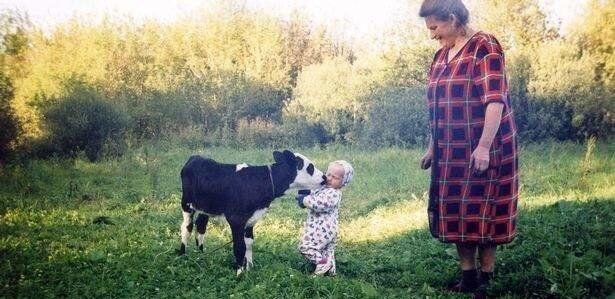 Її друзями замість інших діток були тільки батьки ітварини.