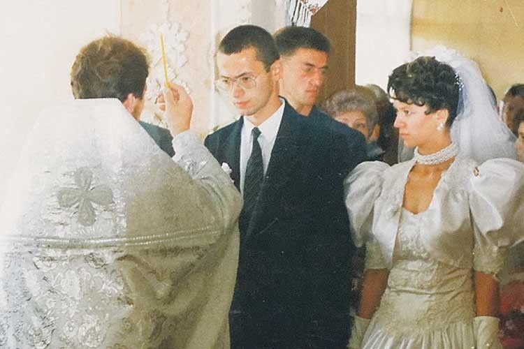 Під вінець Олександр Білінський вів наречену, коли був ще мирянином.