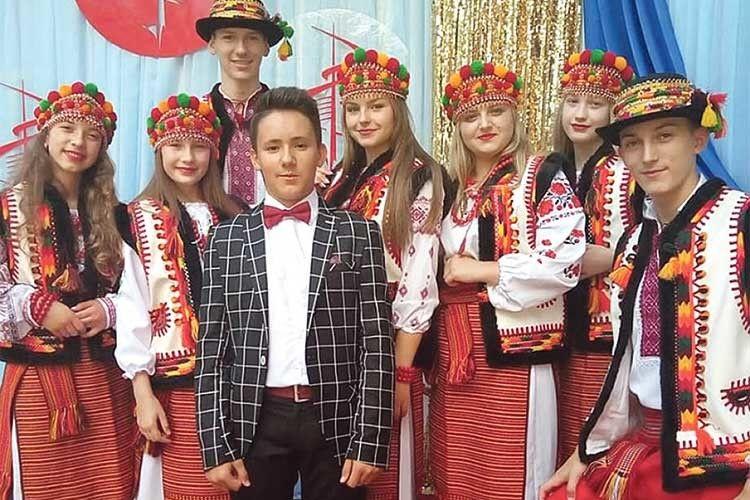 Старовижівчанин узяв участь і в міжнародному фестивалі юних виконавців «Молода Галичина-2018», де був наймолодшим у своїй віковій категорії.