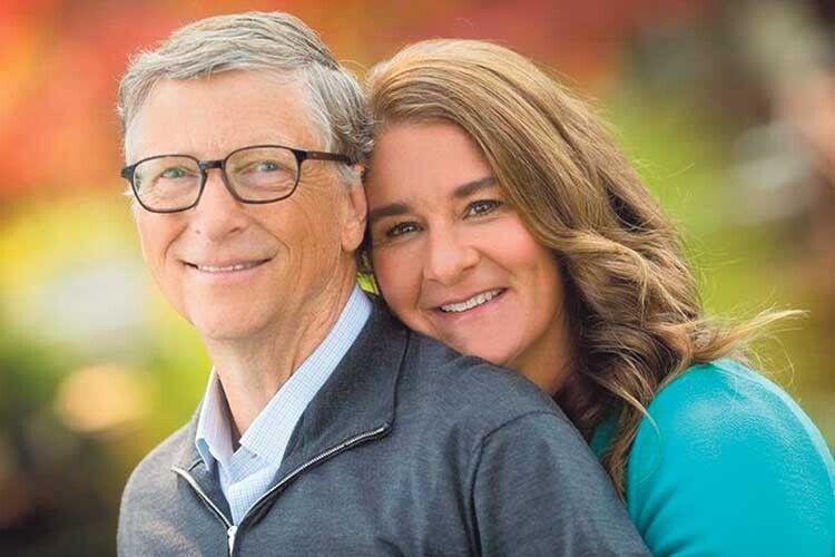 Ще не так давно чоловік, прилюдно вітаючи свою дружину з днем народження, називав її «моєю коханою людиною».