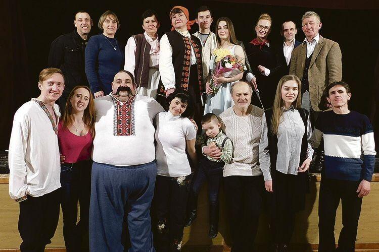 Мить тріумфу лобачівських сільських акторів на чолі з Петром Панчуком у Києві.
