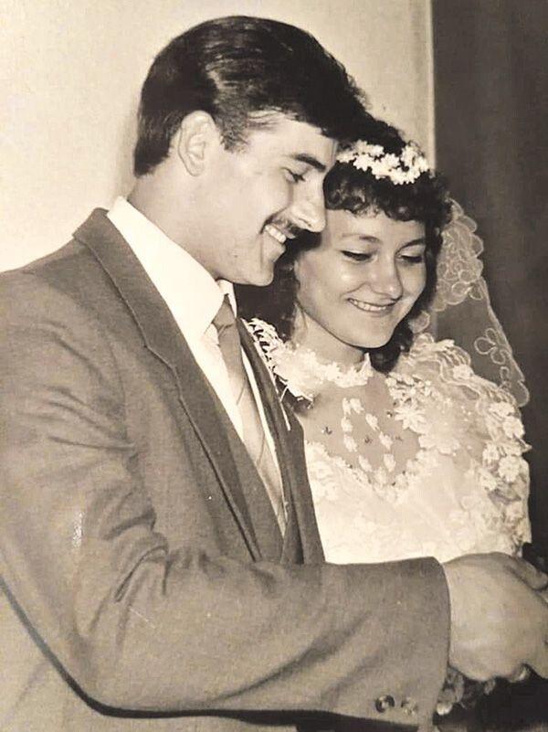 30 років тому, одружуючись, Ірина та Григорій Волощуки не знали, через які випробування доведеться пройти їхньому коханню.