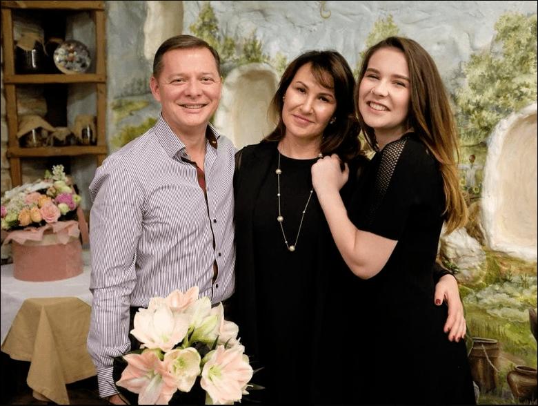 Олег Ляшко з дружиною Росітою і донькою Владиславою. Фото  facebook/O.Liashko.