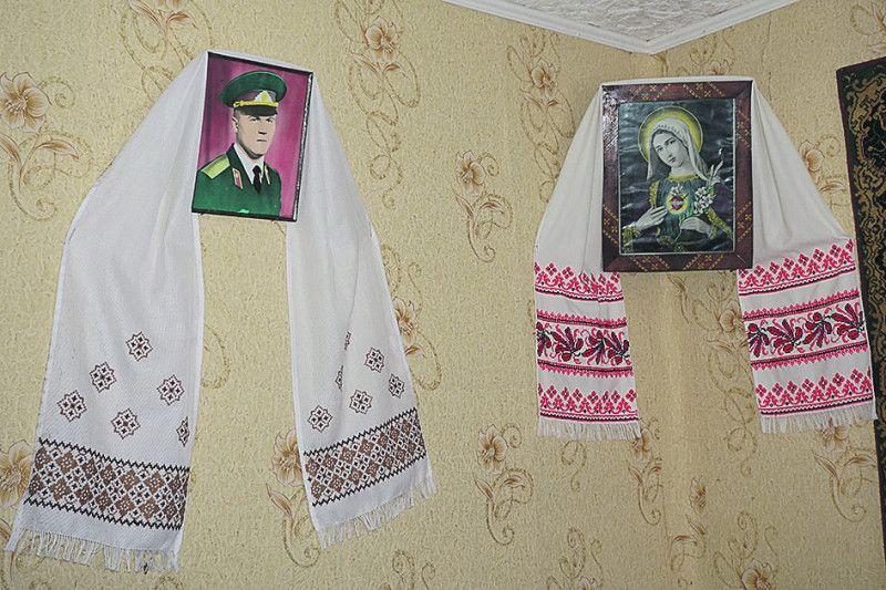 Портрет сина став для Антоніни Василівни теж іконою.