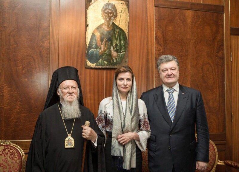10 березня 2016 року Петро Порошенко у Стамбулі вперше особисто зустрівся із Патріархом Варфоломієм та обговорив створення єдиної помісної православної церкви, яку прагне і чекає український народ.