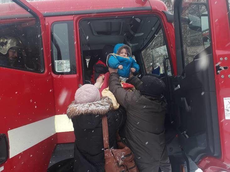 Серед 11 мешканців, котрих евакуювали, - двоє дітей.