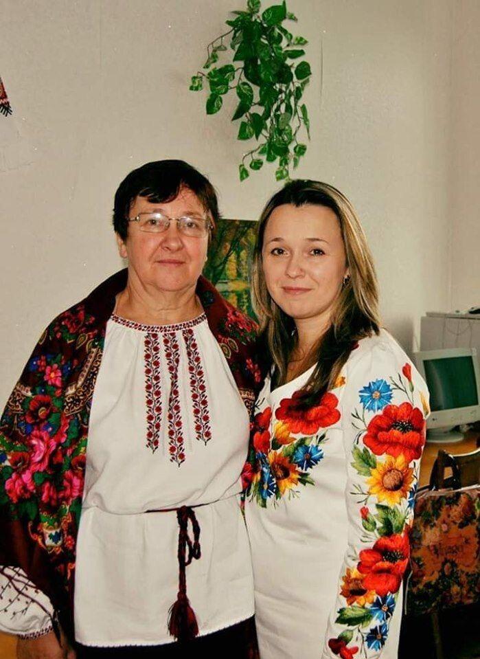 З мамою Ольгою Ольхович.