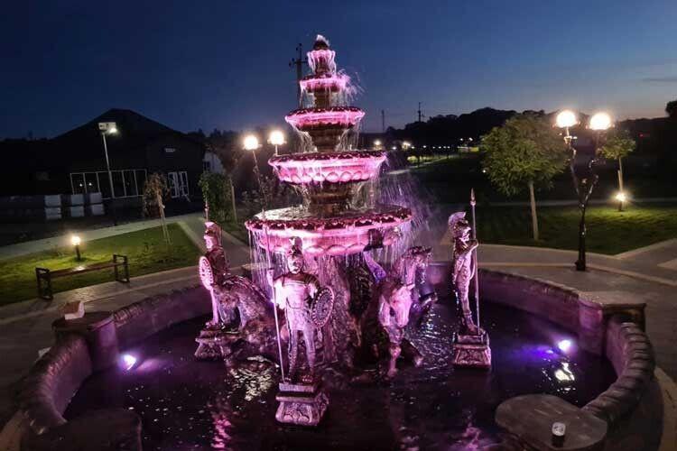 Міський голова Віктор Годик хоче, щоб такі мистецькі зустрічі біля фонтану стали традицією.