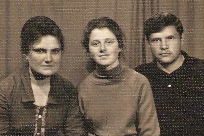 Здається, ще вчора ми були молодими: на фото разом із колегами - Галиною Кос та Василем Дубінським