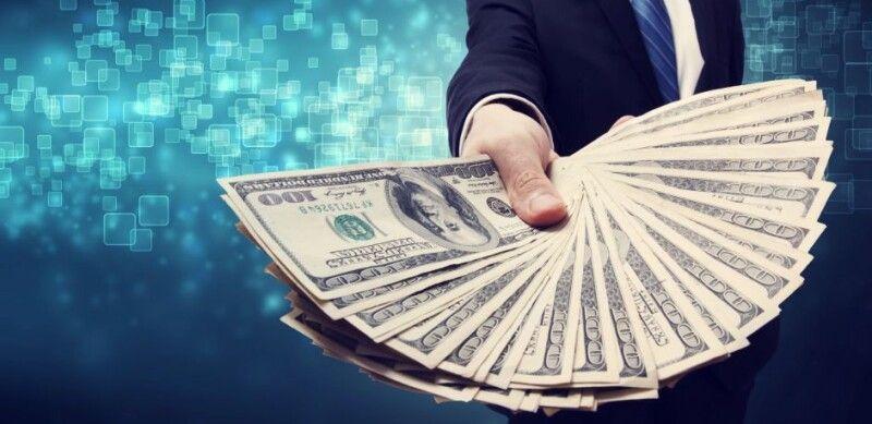 Цікаво, що один із багатіїв лише податку заплатив понад мільярд гривень, а задекларував аж 10 мільярдів!