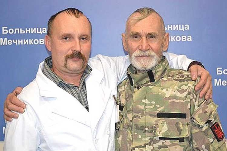 Заступник головного лікарялікарні ім. Мечникова Юрій Скребець  добре знайомий із «Тихоном».