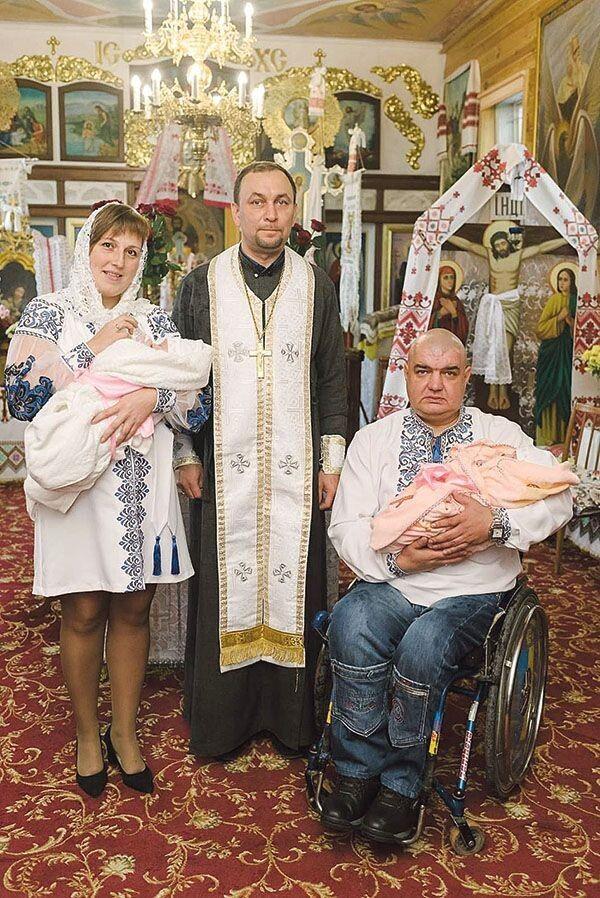 Похрестив немовлят отець Богдан, який свого часу став  духовним наставником  їхніх мами й тата.