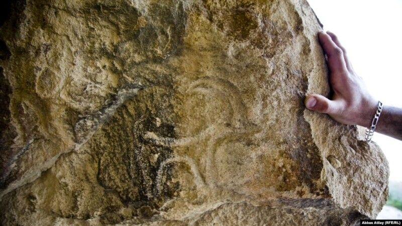 За даними науковців, лише на Сулавесі є щонайменше 242 печери зі стародавніми зображеннями і щороку відкриваються нові місця.
