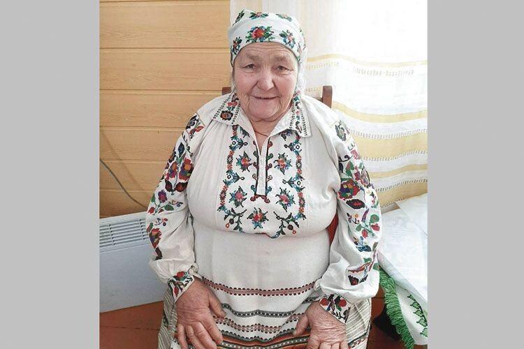 Баба Маня: «Як перестану співати,  то й жити не треба».