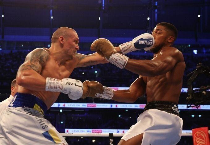 Перші чотири раунди Олександр був беззаперечним господарем на рингу. Фото із сайту sport.ua.