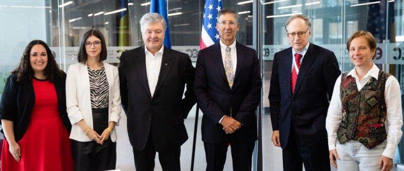 Обговорили результати візиту президента України до Вашингтону та зустрічі глави Української держави з президентом США Джо Байденом.