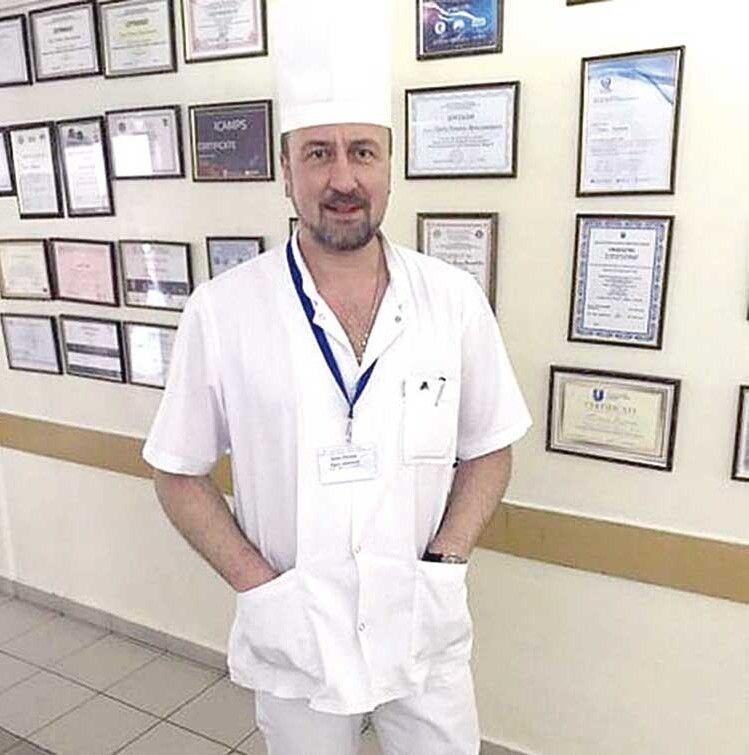 «Проведені реплантації — результат командної роботи», — каже завідувач відділення Роман Трач.