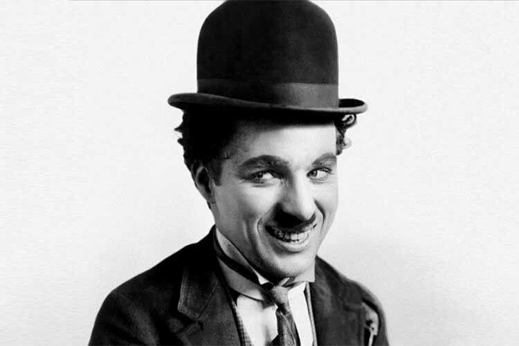 Симпатичний Волоцюга— найзнаменитіше перевтілення лицедія Чапліна.