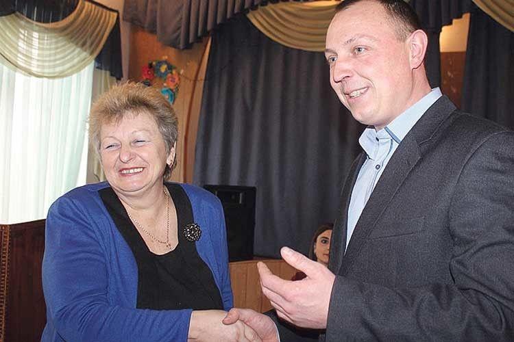 «З Ніною Адамівною приємно працювати», — каже про свого заступника очільник громади Андрій Сапожник.
