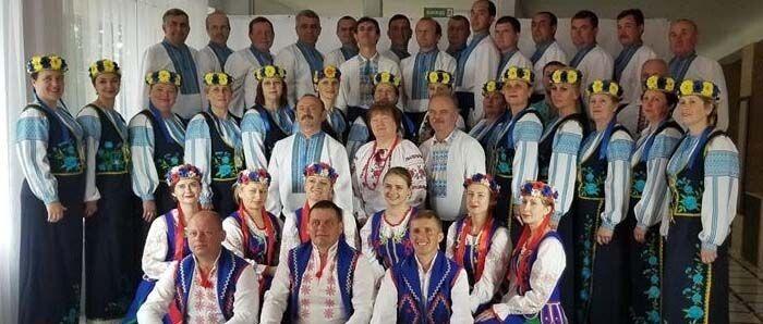 Один із переможців проекту – народний аматорський колектив профспілок України «Освітянка». Фото Лесі ВЛАШИНЕЦЬ.