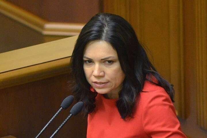Вікторія Сюмар.
