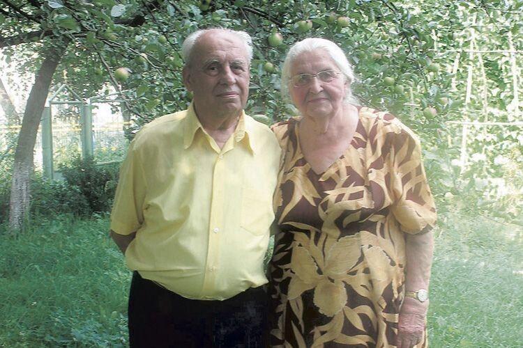 Володимир і Тамара Криштальські після переїзду з Кривого Рогу до Горохова.