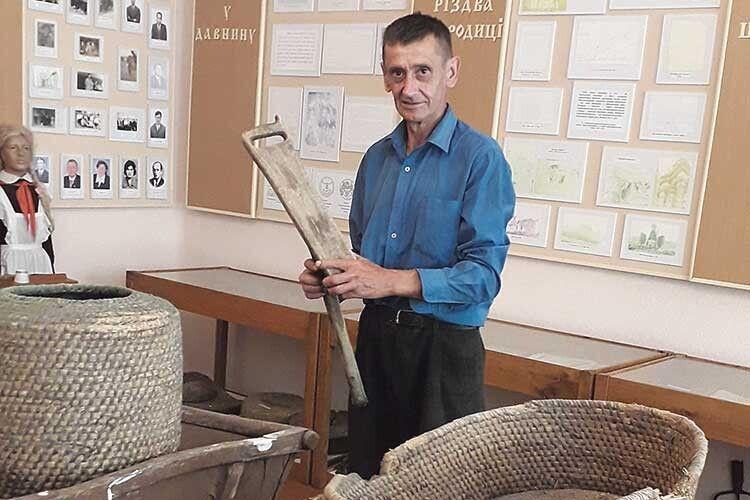 Ігор Баран знає історію кожного експоната.