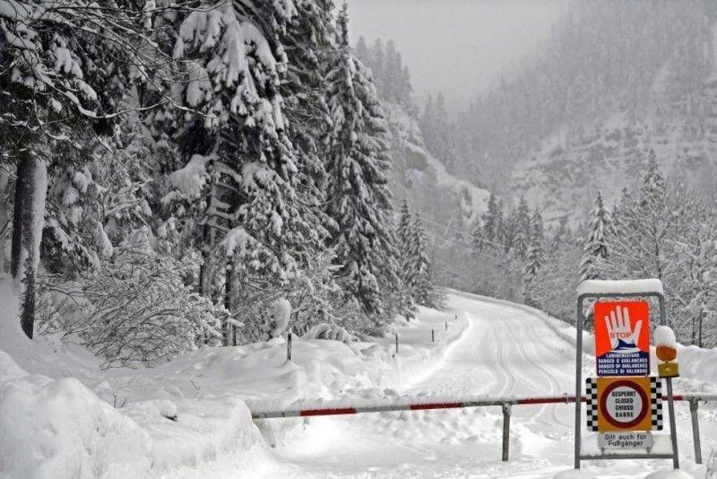 В Австрії закрили деякі автошляхи, аби запобігти жертвам внаслідок сходження лавин