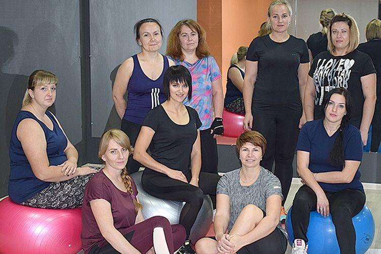 Граційна і невтомна Ольга Філюк (у центрі) зі своєю новою командою.