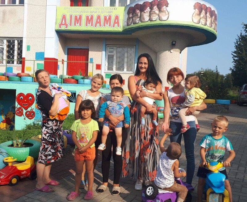 Ольга Череватова зуміла об'єднати своїх підопічних у велику родину.