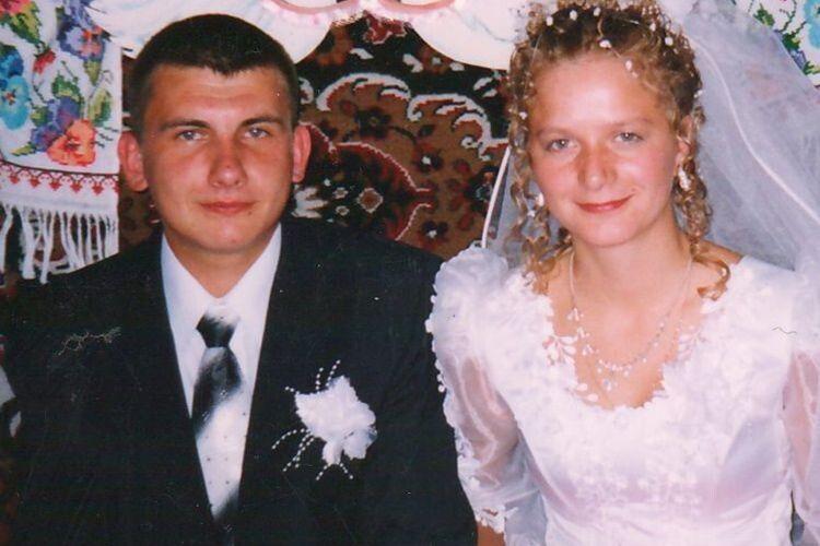 Їхньому шлюбу 15 років, а незрадливим почуттям — уже 22,  бо ж підлітками були, як почали зустрічатися.