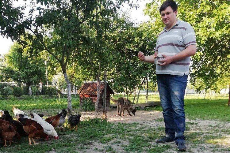 Володимир щодня в селі, а не в костюмі по телевізору:  «Село треба відроджувати справами, а не балаканиною!»