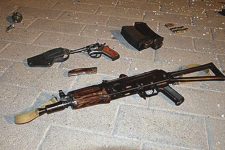 «Плохой» мав достатньо зброї і запевняв, що заклав ще й бомбу в людному місці.