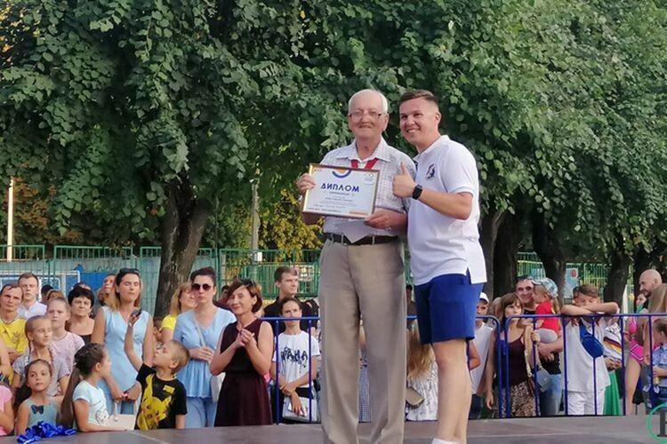 А найповажнішим танцюристом виявився  78-річний Олександр Ковальчук.