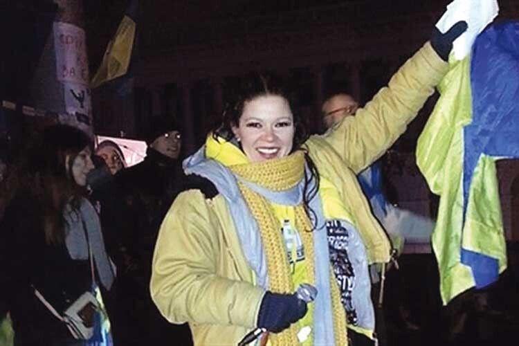 На Майдані під час Революції гідності Руслана провела понад 100 днів і ночей. За цей час більше півсотні разів виконала Гімн України.