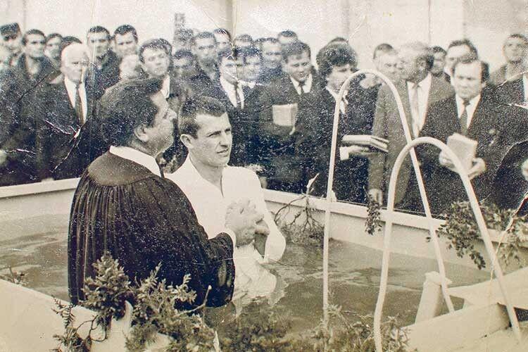 Андрій Коржов свого часу пізнав силу Божої милості і прийняв хрещення.