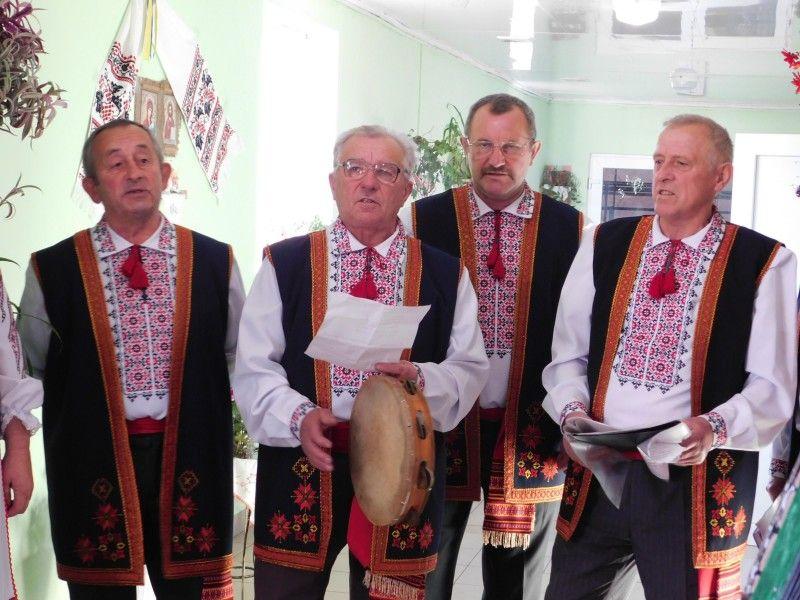 Вільхівські козаченьки. Фото Лесі ВЛАШИНЕЦЬ.