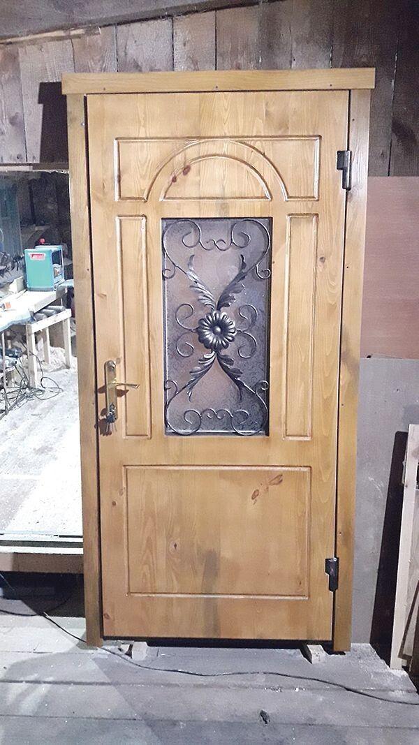 Такі двері прикрасять  будь-який особняк.