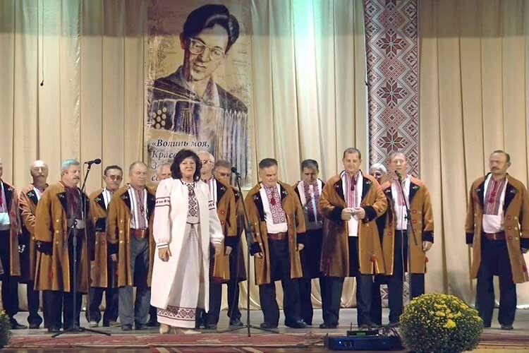Професіоналізм капели і її керівника пані Тетяни засвідчило чергове гран-прі  на фестивалі  пам'яті Степана Кривенького.